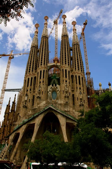 The Adventures of Peg: Exterior of La Sagrada Familia