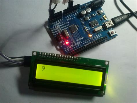 lcd - Read/Write EEPROM Arduino - Stack Overflow