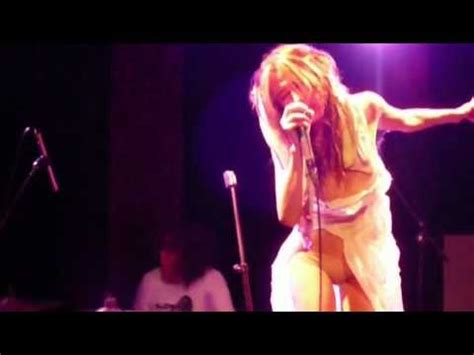 Queen Adreena @ Maroquinerie, Paris, 2009 (2 songs) - YouTube