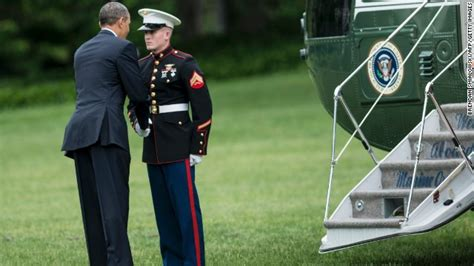 President Obama forgets to salute – CNN Political Ticker